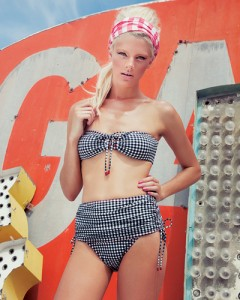 Gingham collection • Retro bandeau bikini by #karlacolletto #cruise2015