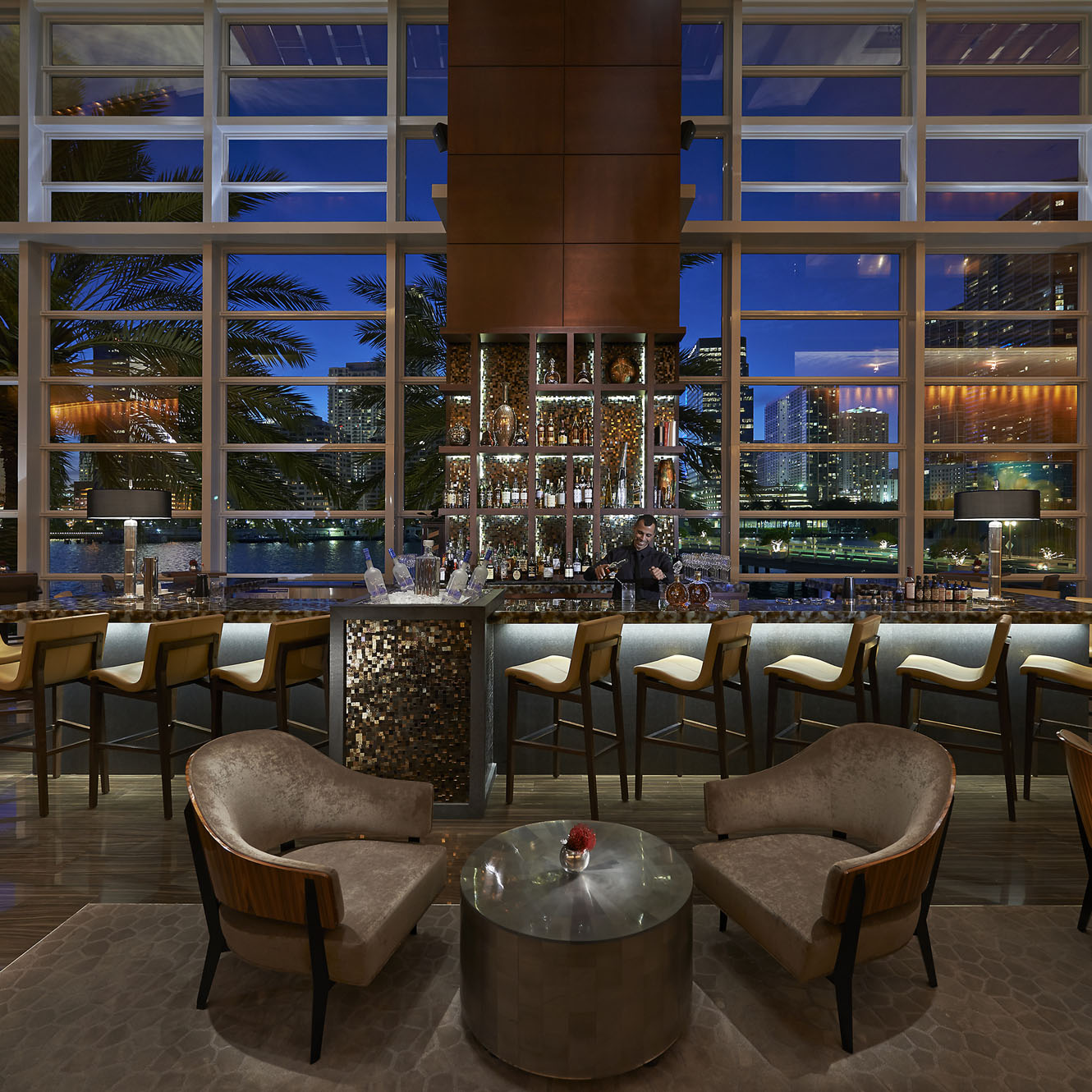 R - Mandarin Oriental Miami - MO Bar and Lounge