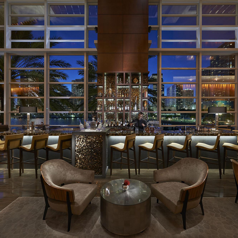 R - Mandarin Oriental Miami - MO Bar and Lounge